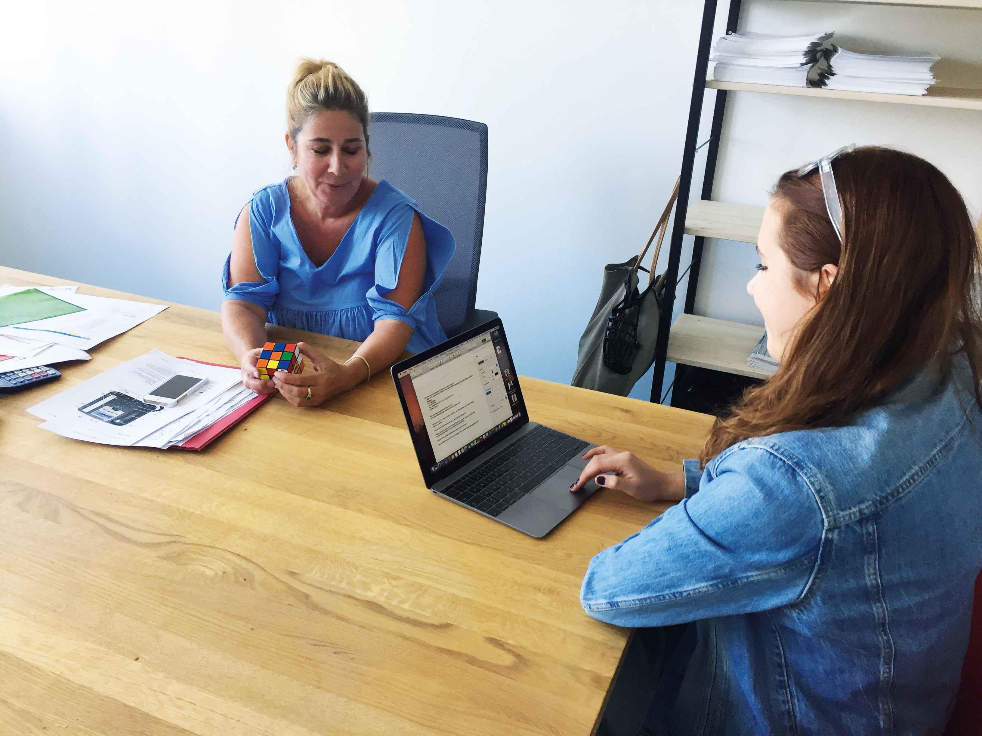 Frisch umgezogen: Making-Of des spannenden Interviews in den neuen Büroräumen der WEKA Industriemedien