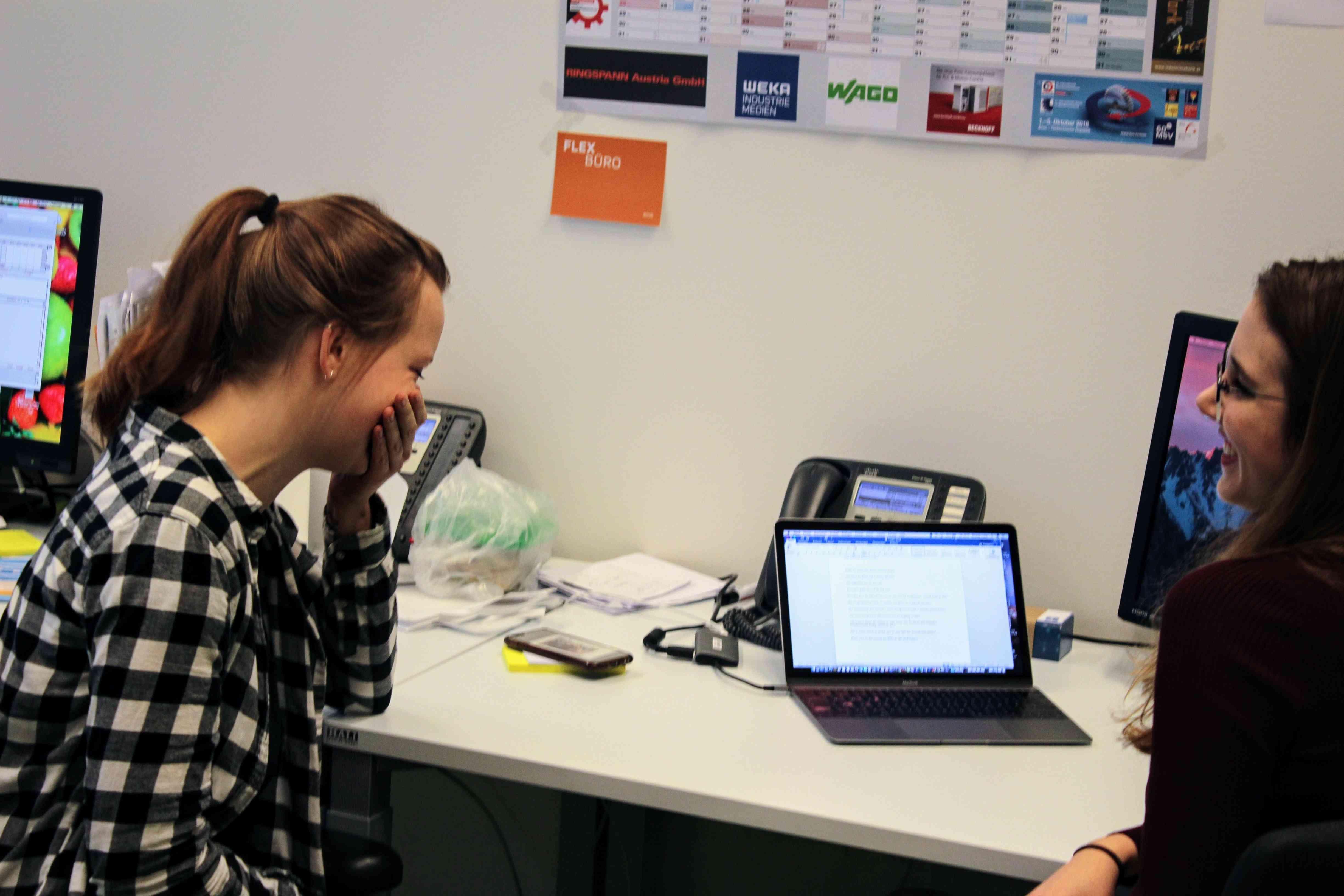 Magdalena Ott (links) beim Interview
